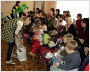 Дети в приемнике-распределителе - самые благодарные зрители христианского театра