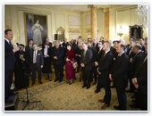 Британский премьер призвал предотвратить гонения на христиан