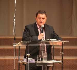 Обращение начальствующего епископа РЦ ХВЕ  к детям и молодежи