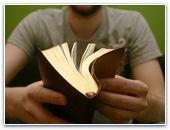 Россиянина оштрафовали за чтение Библии
