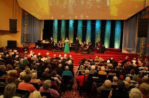 Аншлаг в московской церкви «Благая весть»