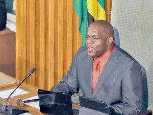 Незрячего адвентиста избрали председателем Сената