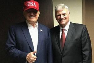 Трамп поблагодарил евангельских христиан за победу на выборах
