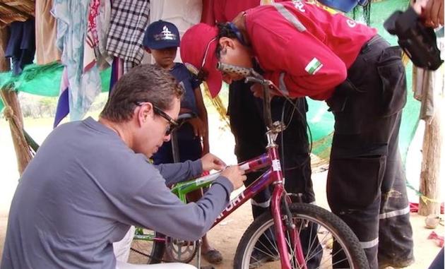 Адвентисты раздают велосипеды